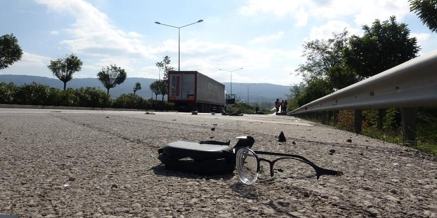 Çanakkale-İzmir karayolunda üniversite öğrencisine çarpan tır, talihsiz genci 70 metre sürükledi