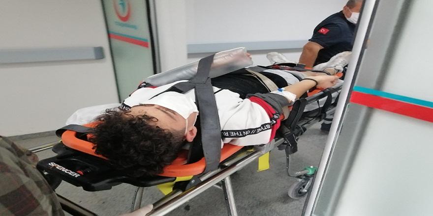 Aksaray'da, duvarın üzerinde denge yürüyüşü yapan çocuk düşerek hastanelik oldu