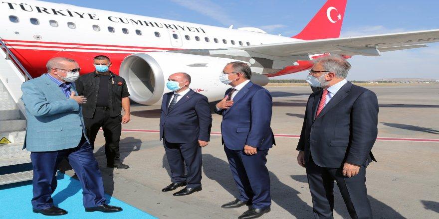 İl kongresine katılmak üzere Cumhurbaşkanı Recep Tayyip Erdoğan, Kayseri'ye geldi