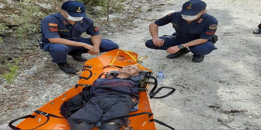 Antalya'da kayıp yaşlı adam jandarma ekipleri tarafından bulundu