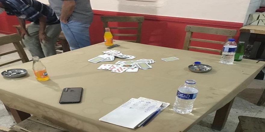 Mersin Tarsus'ta, kahvede oyun oynayan şahıslara, cezai işlem!
