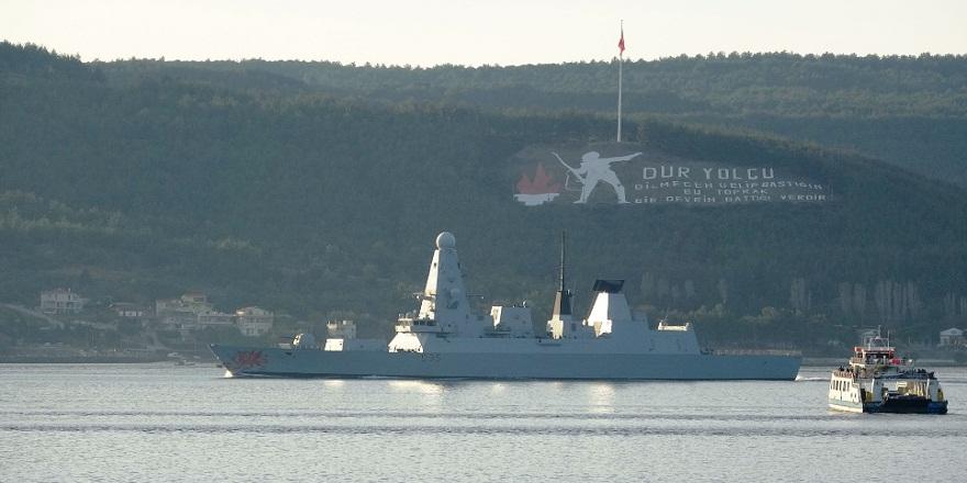 İngiliz savaş gemisi  'HMS Dragon' Çanakkale Boğazı'ndan geçti