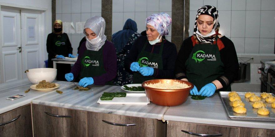 Kadın Kooperatifi tarafından açılan kafeyi, yalnızca kadınlar işletiyor