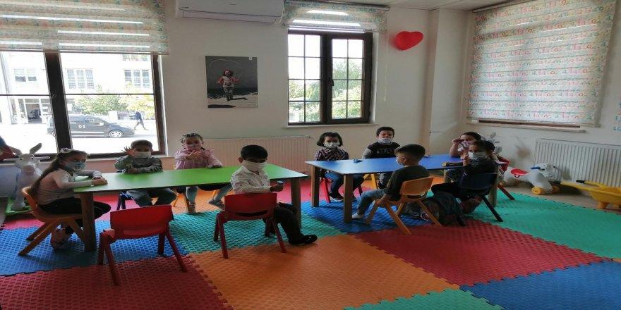 Malatya Yeşilyurt'ta eğitim merkezleri Covid-19tedbirleriyle hizmet veriyor