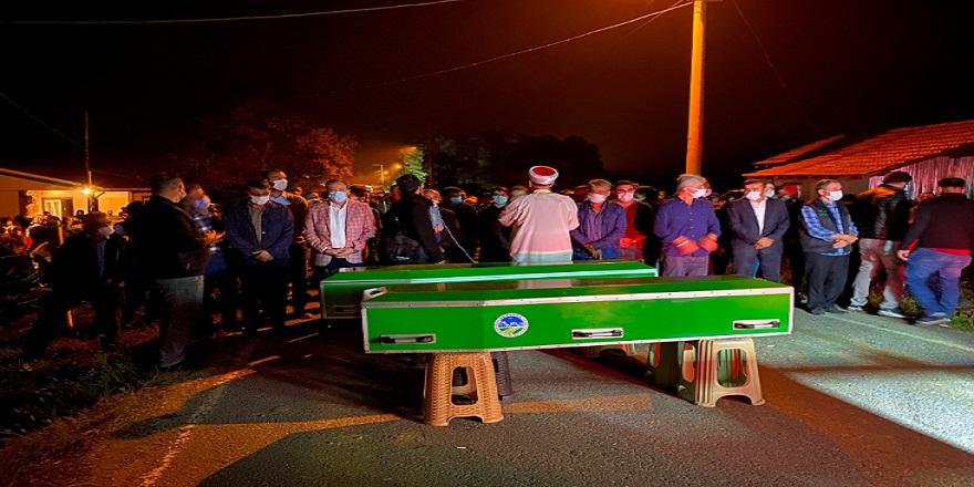 Sakarya'nın Geyve ilçesinde yangında hayatını kaybeden 2 kardeş ebediyete uğurlandı
