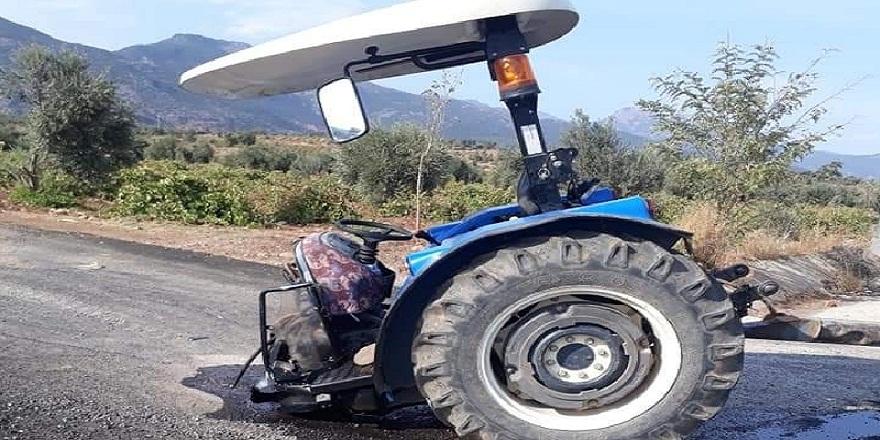 Gaziantep'te, otomobil ile çarpışan traktör, iki parçaya ayrıldı! 2 yaralı