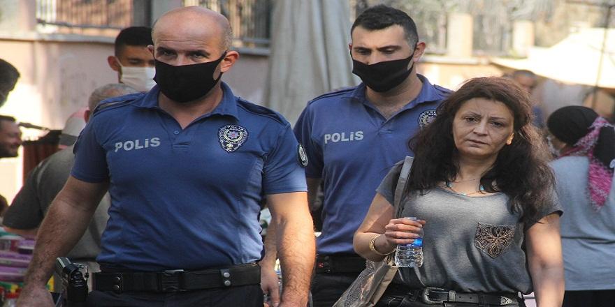 Kıskanç kocanın, eve kilitlediği kadının imdadına polis ekipleri yetişti