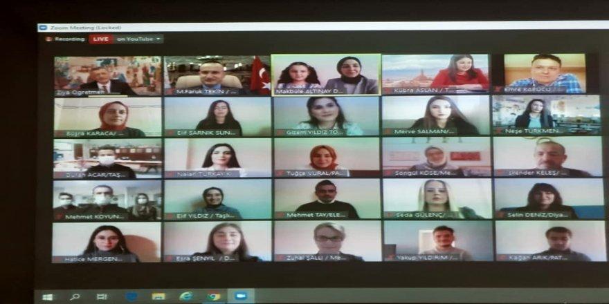 Konferans yöntemiyle buluşan Milli Eğitim Bakanı Ziya Selçuk'u, meslektaşları Ağrı'ya davet etti