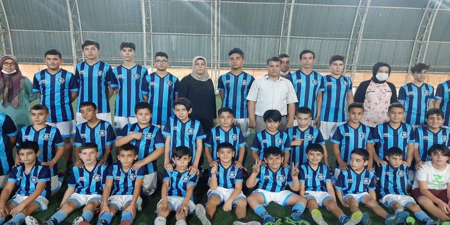 Düziçi ilçesinde, oğlunun futbol aşkı için futbol kulübü kurdu