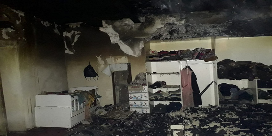 Kars Arapçay'da, meydana gelen yangında 1 ev,ahır ve samanlığı küle döndü