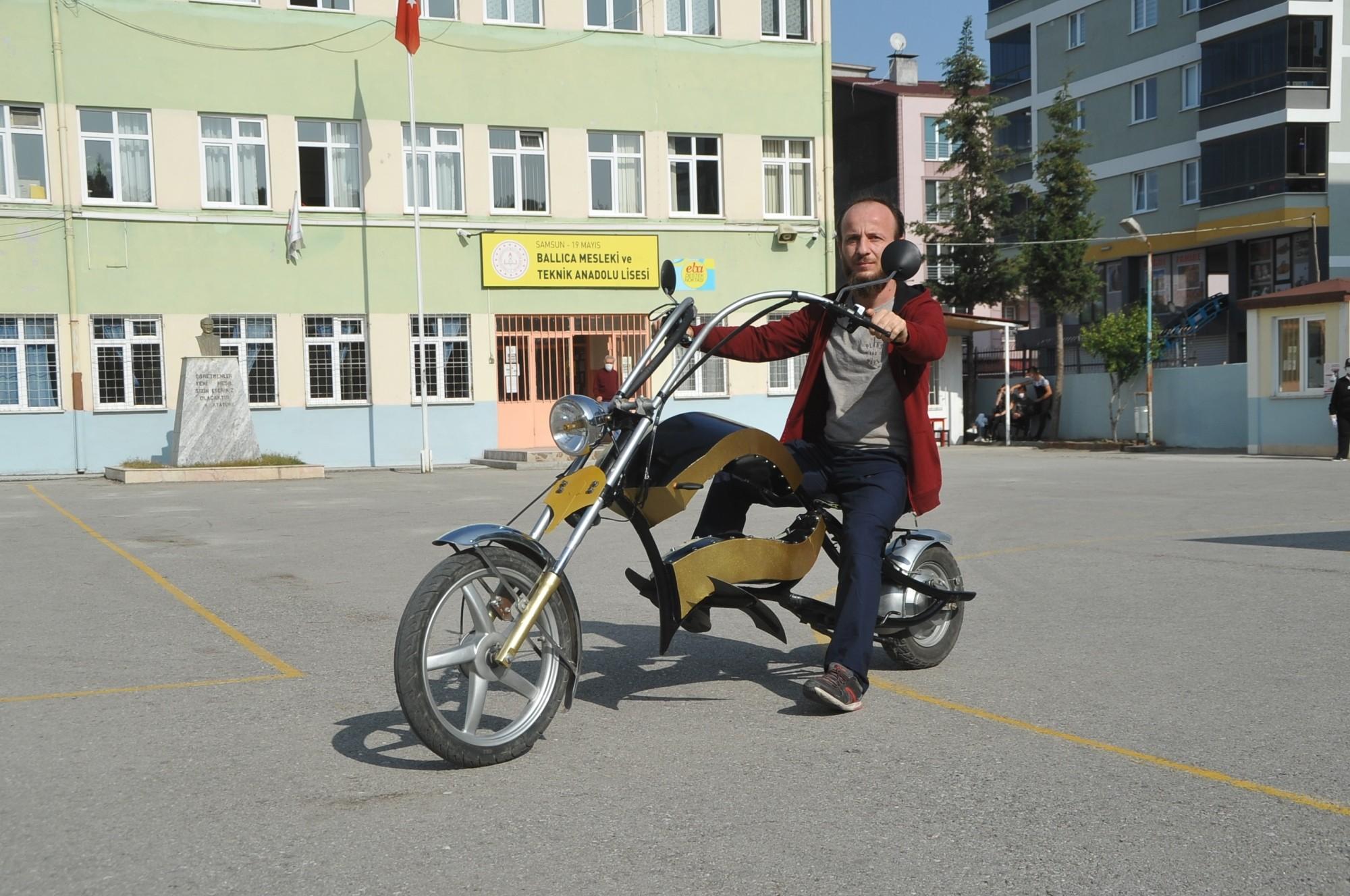 Elektrik bölümü öğretmeni, kendi tasarımı ile elektrikli motosiklet yaptı