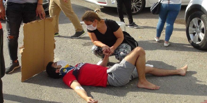 Antalya Manavgat'da, kamyonete çarpıp sürüklenen, motosiklet sürücüsü ağır yaralandı