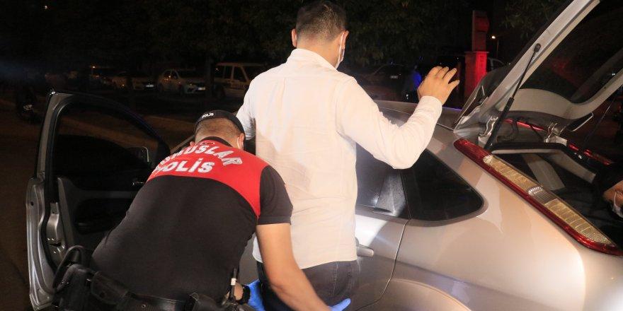Adana'da  Emniyet Müdürlüğü Hava destekli 2 bin 20 polisle huzur uygulaması