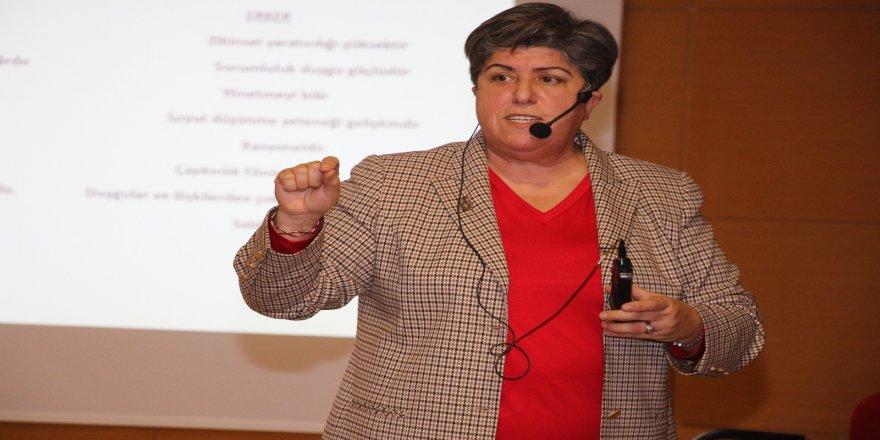 Teknosa, Türkiye'nin ilk ve tek dijital kadın zirvesi Dijital Topuklar'a katılıyor