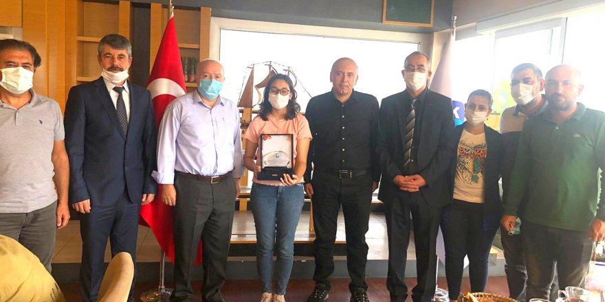 Hikaye yarışmasında, Türkiye ikincisi Bengül Kartal oldu
