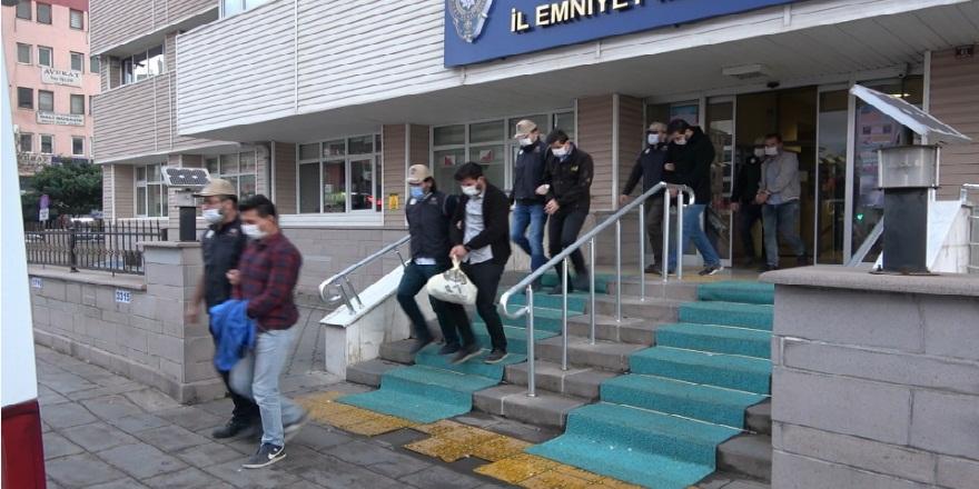 Kırıkkale merkezli 4 ilde, FETÖ üyesi askerlere 'ankesör' operasyonu: 7 gözaltı