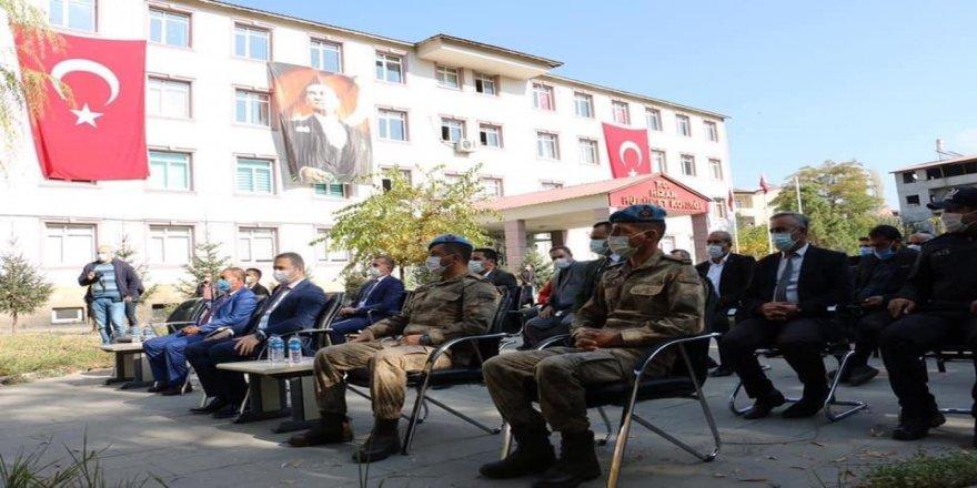 Bitlis'in Hizan ilçesinde, Cumhuriyetin 97. yıl dönümü kutlandı