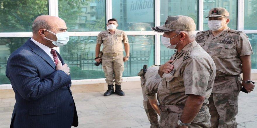Jandarma Genel Komutanı Orgeneral Arif Çetin, Vali Mahmut Demirtaş ile bir araya geldi