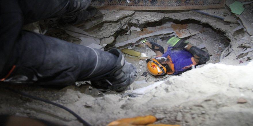İzmir'de meydana gelen depremin ardından, AFAD Afyonkarahisar ekibi çalışmalarını sürdürüyor
