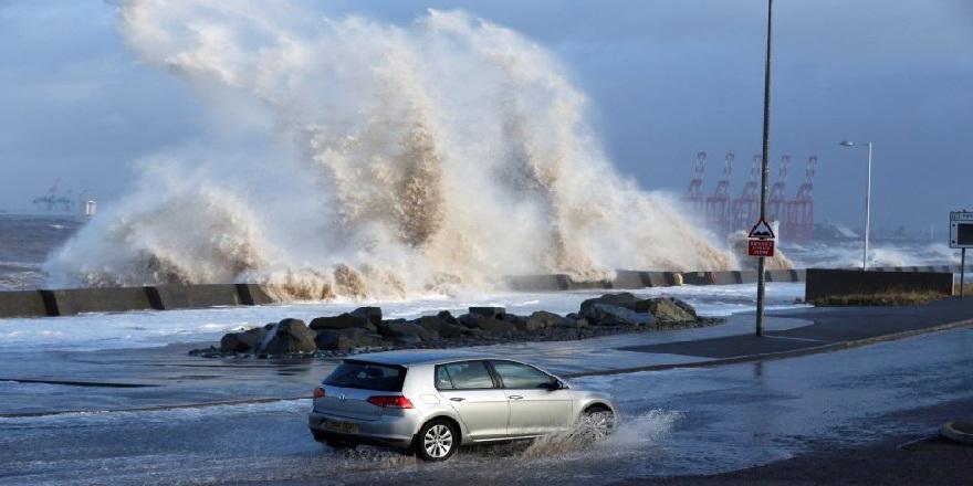 Kuzey İrlanda'da Aiden Fırtınası alarmı!