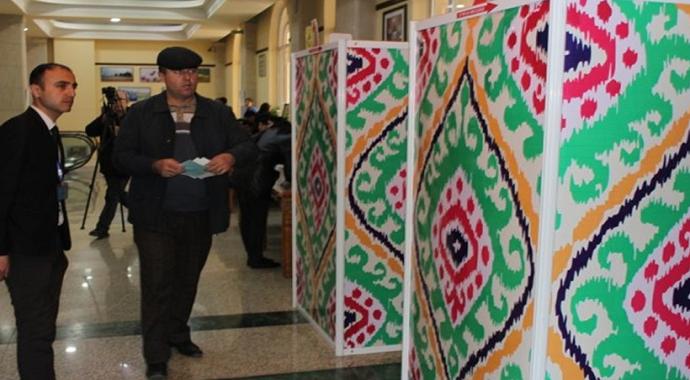 Tacikistan'da halk, parlamento seçimleri için sandık başında