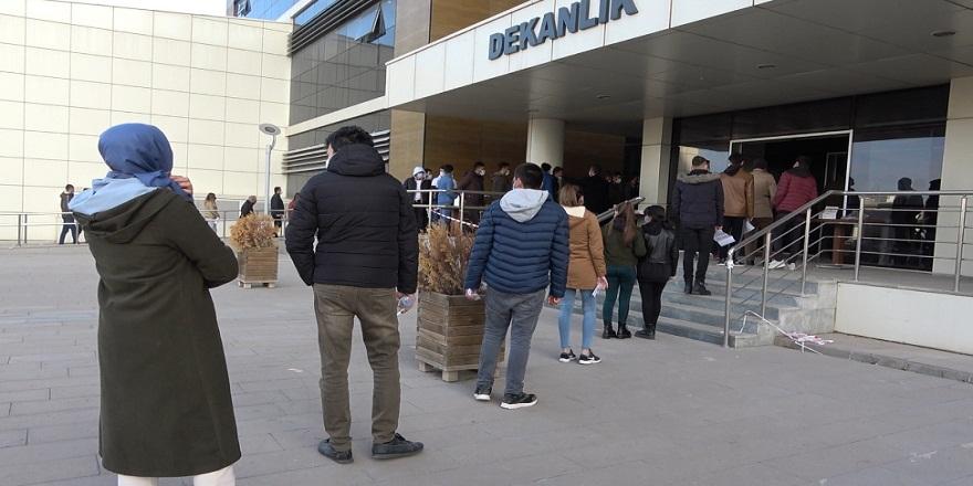 Ülke genelinde KPSS'ye girenler ve yakınları kısıtlamalardan muaf tutuldu