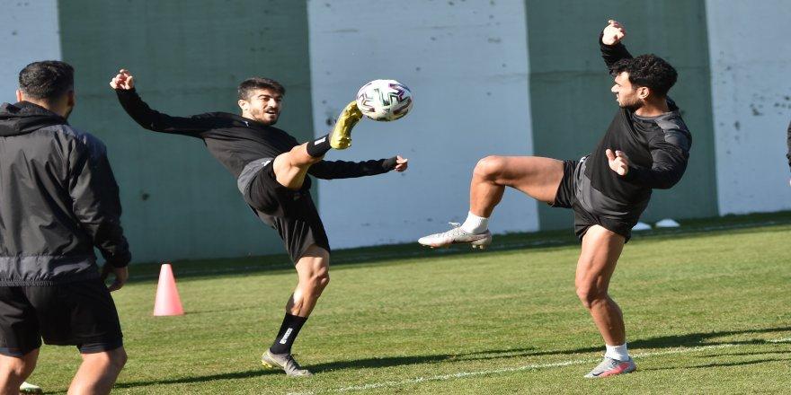Manisa FK, deplasmanda karşılaşacağı Konyaspor maçının hazırlıklarını sürdürüyor