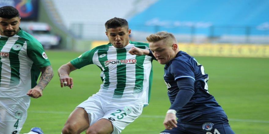 Konyaspor'un, Kasımpaşa ile karşılaşmanın ilk yarısında 1-0'lık üstünlüğüyle noktalandı