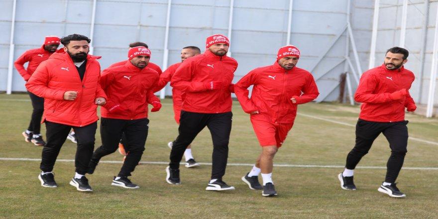 Karabağ maçı için DG Sivasspor, kolları sıvadı