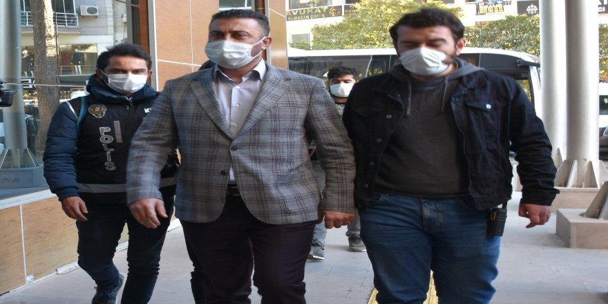 İçlerinde Menemen Belediye Başkanı'nda olduğu 27 kişi adliyeye sevk edildi