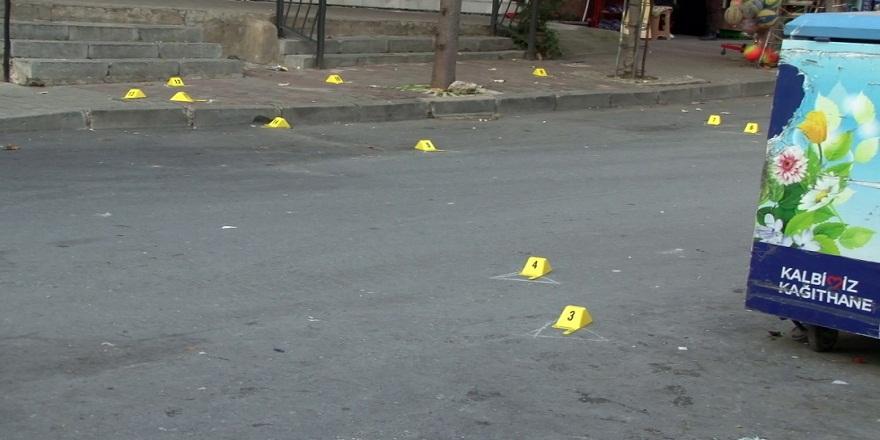 İstanbul Kağıthane'de, 2 kişi arasındaki silahlı kavgada kurşunlar yağmur gibi yağdı!