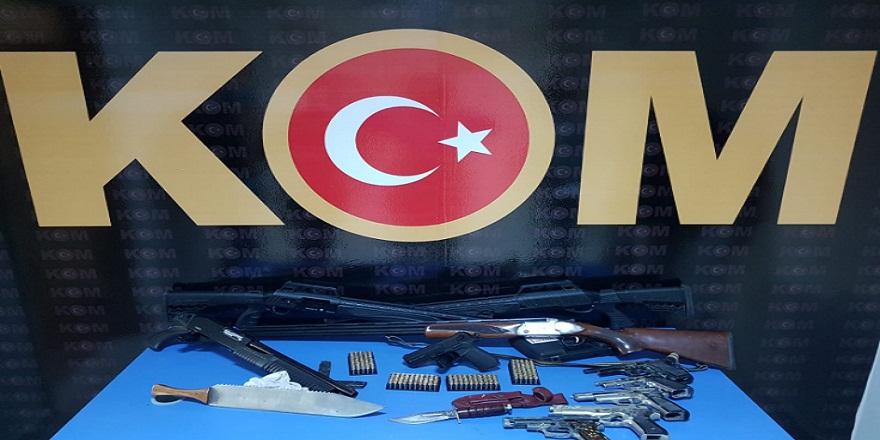 Adana Ceyhan'da, silah operasyonu!