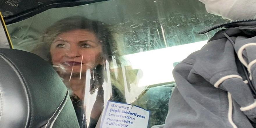 İstanbul Fatih'de, taksiye binen alkollü kadın ortalığı birbirine kattı!