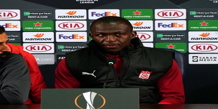 """Sivassporlu futbolcu Arouna Kone: """"Her şeyi yapabilecek kapasitede bir takımız"""""""