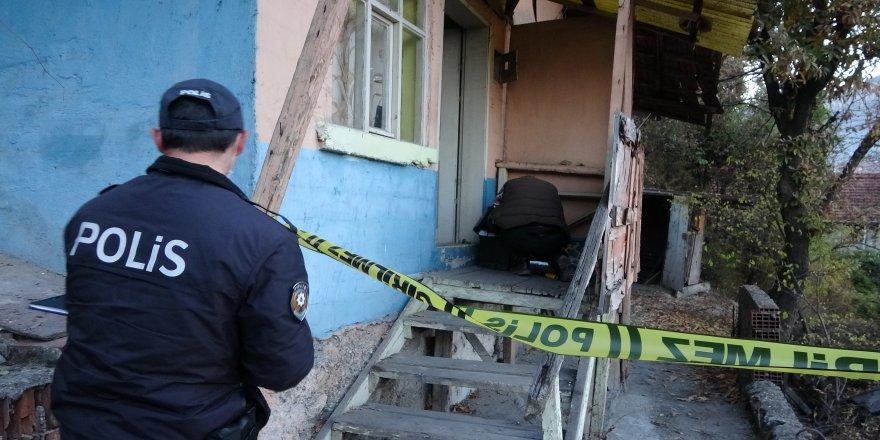 15 gündür haber alınamayan yaşlı adam, evinde ölü bulundu
