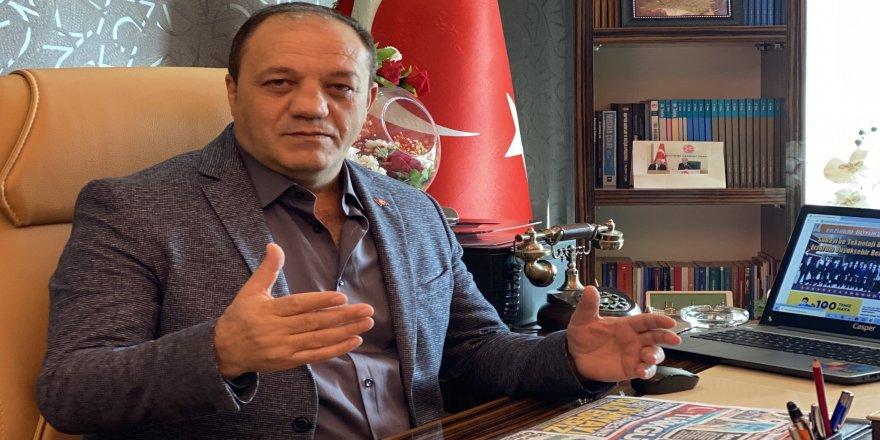 """Başkan Naim Karataş: """"Haddinizi bilin"""""""