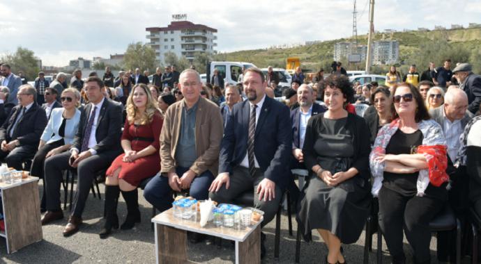 İlk kadın muhtar Gül Esin'in ismi parkta yaşayacak