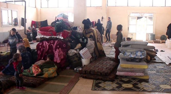 Suriyeliler mezarlıkta yaşıyor