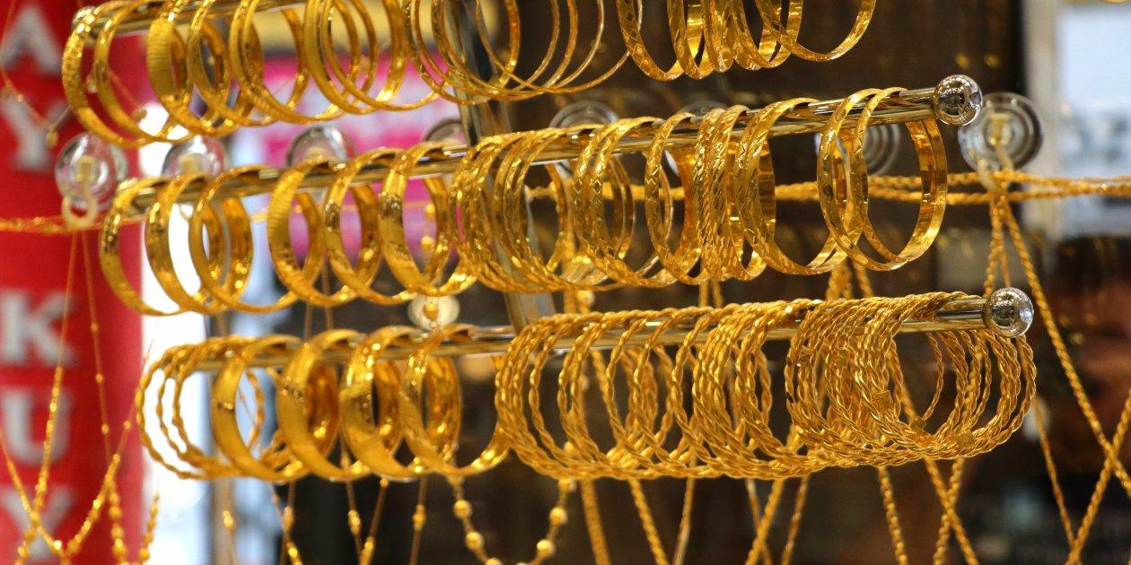 27 Şubat altın fiyatları düşmeye devam ediyor! Gram, çeyrek, 22 ayar bilezik fiyatı ne kadar?