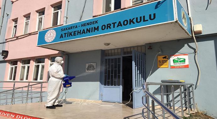 Sakarya'da okullar korona virüs tehdidine karşı dezenfekte edildi